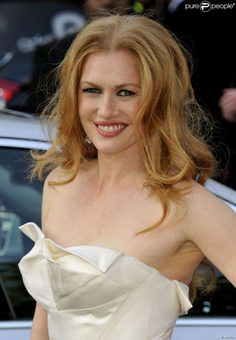 1144452-mireille-enos-arriving-at-the-world-950x0-1