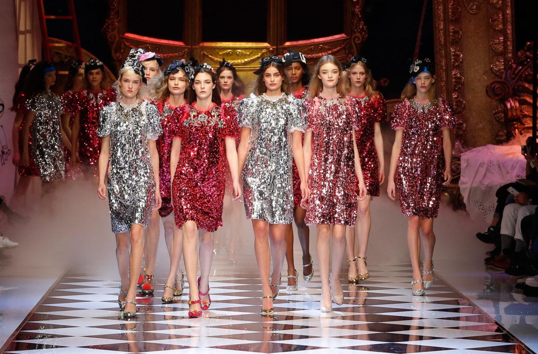 dolce-and-gabbana-fall-winter-2016-17-women-fashion-show-runway-961
