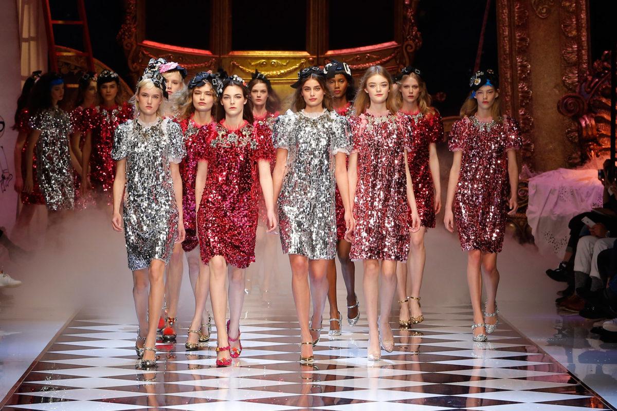 Tendenza bling blig: gli abiti e gli accessori che luccicano